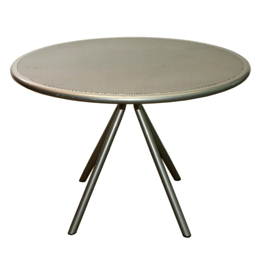 Emu Aluminum Restaurant Round Dining Table