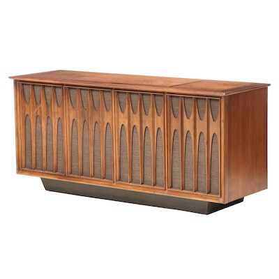 RCA Victor New Vista Mid Century Modern Stereo with Turntable Walnut Console
