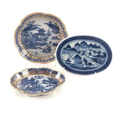 Chinese Export Nanking Blue and White and Gilt Dishes and Canton Tile