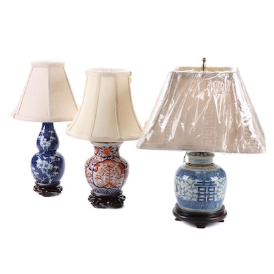 Japanese Imari with Chinese Blue and White Porcelain Vase Table Lamps