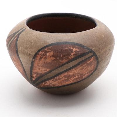 Santo Domingo Pueblo Polychrome Earthenware Pot, 1920s