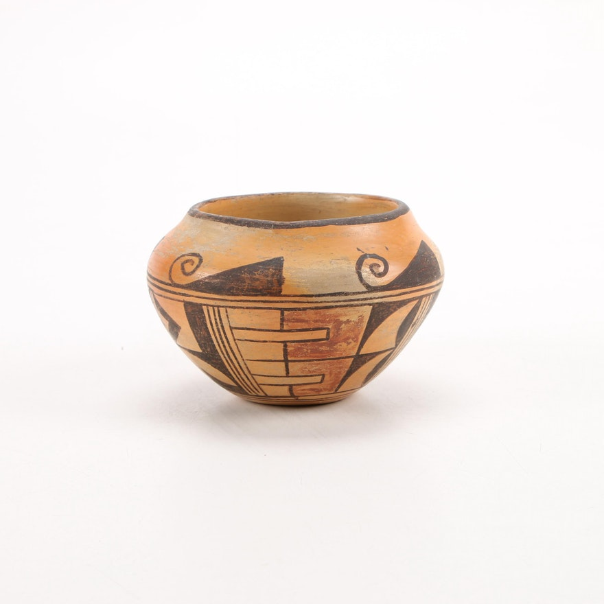 Hopi Pueblo Polychrome Earthenware Jar, 1930s