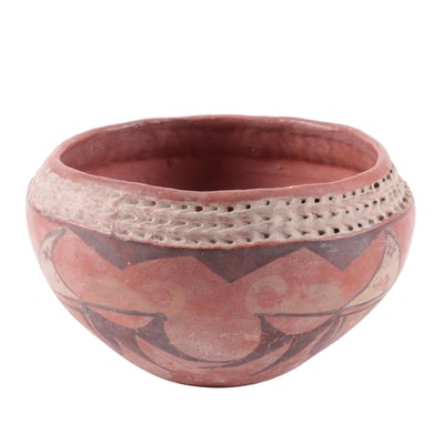 Hopi Pueblo Corrugated Rim Earthenware Bowl, 1910-1920