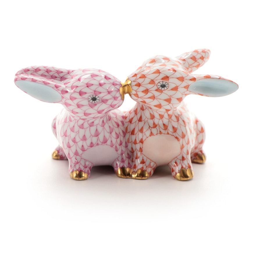 """Herend Raspberry and Rust Fishnet with Gold """"Kissing Bunnies"""" Porcelain Figurine"""