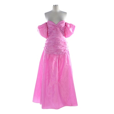 Victor Costa Pink Gathered Taffeta Bow Back Strapless Formal Occasion Dress