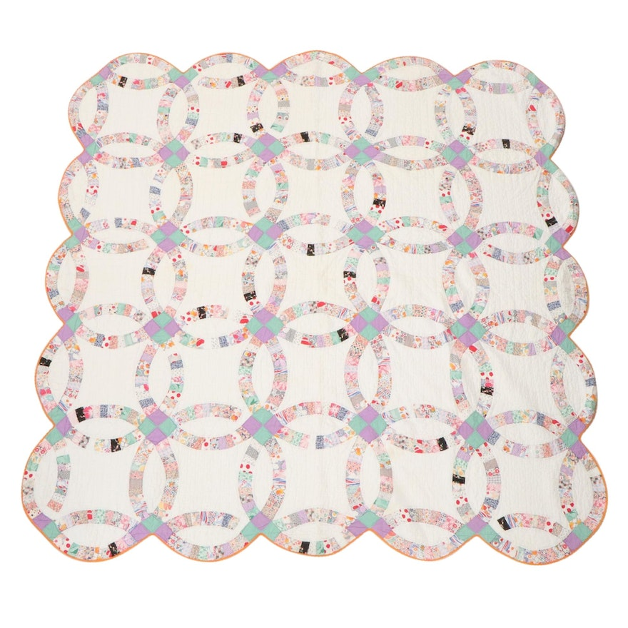 """Handmade """"Double Wedding Ring"""" Pieced Quilt"""