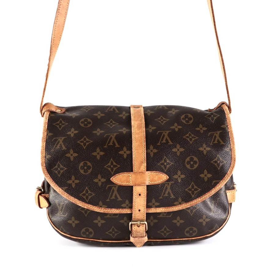 Louis Vuitton Saumur 30 Messenger Bag in Monogram Canvas and Leather