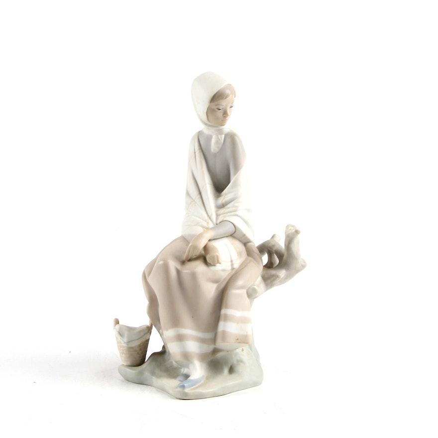 "Lladró ""New Shepherdess"" Porcelain Figurine Designed by Fulgencio García"