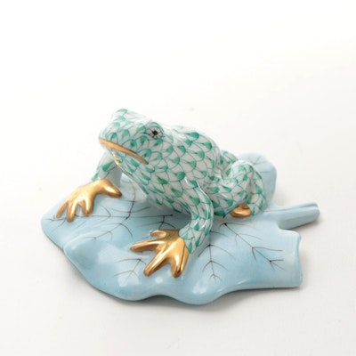 """Herend Green Fishnet with Gold """"Frog on Lily Pad"""" Porcelain Figurine"""