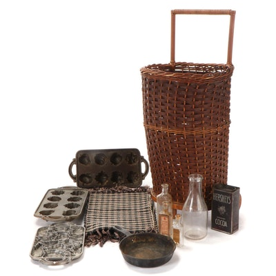 John Wright Cast Iron Molds and Other Kitchenware and Dѐcor