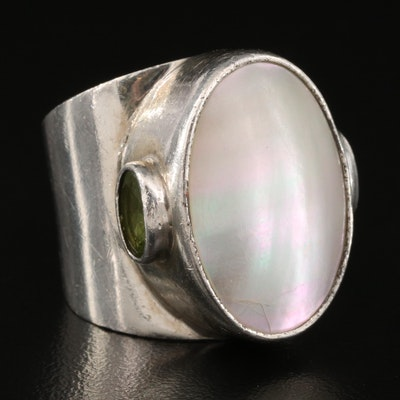 Sterling Silver Mabé Pearl and Peridot Ring