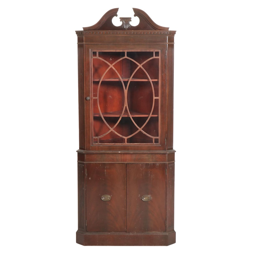 Federal Style Mahogany Corner Display Cabinet, Mid to Late 20th Century