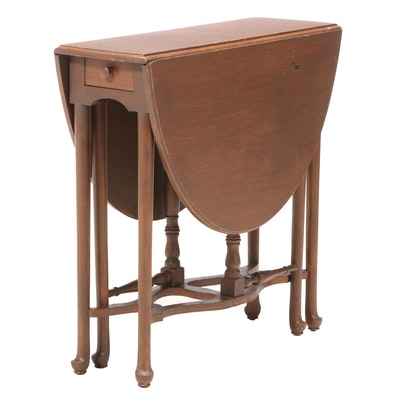 Queen Anne Style Drop-Leaf Table, 20th Century