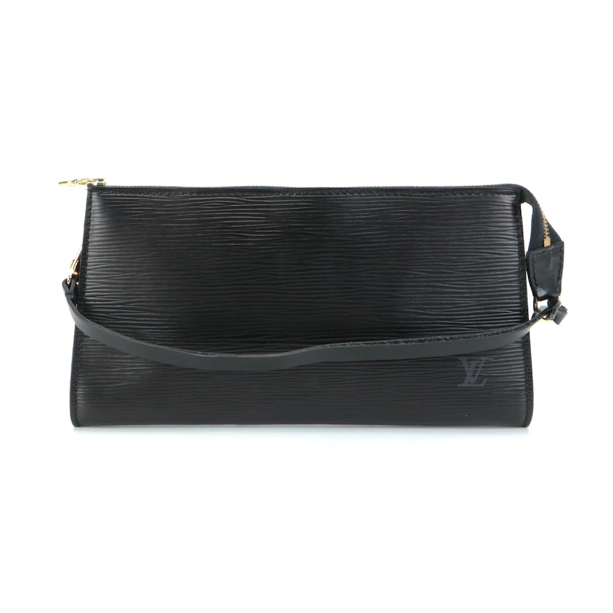 Louis Vuitton Pochette Clutch Handbag in Black Epi and Smooth Leather