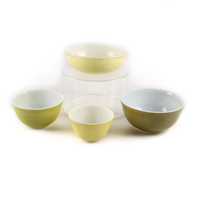 """Pyrex """"Pale Yellow"""" and Green Glass Nesting Bowls, Mid-20th Century"""
