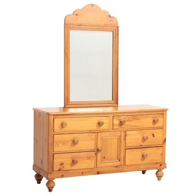 Lexington Furniture Primitive Style Pine Eight-Drawer Dresser, Late 20th Century