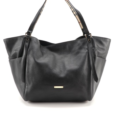 """Burberry Tote in Black Grained Leather with """"Haymarket Check"""" Accents"""