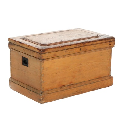 Dovetailed Pine Carpenter's Tool Chest, Mid to Late 19th Century