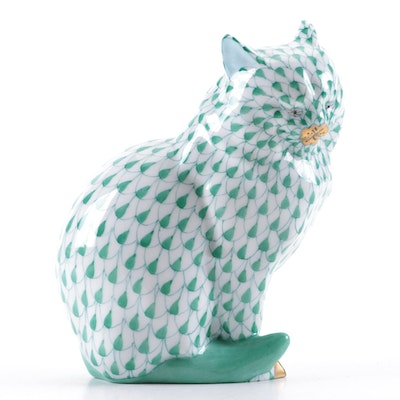 """Herend Green Fishnet with Gold """"Sitting Cat"""" Porcelain Figurine"""