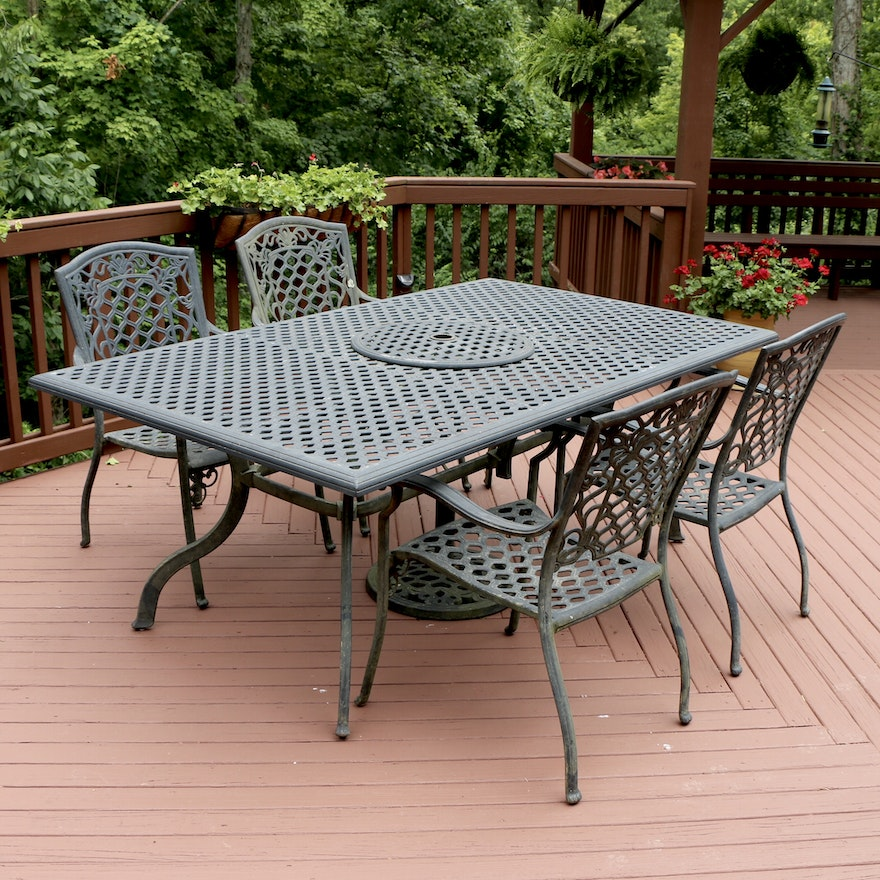 Cast Aluminum Antiqued Finish Outdoor Dining Table and Armchairs