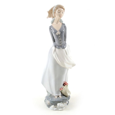 "Lladró ""Sea Breeze"" Porcelain Figurine Designed by Salvador Debón"