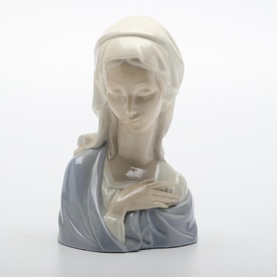 "Lladró ""Mary"" Porcelain Figurine"
