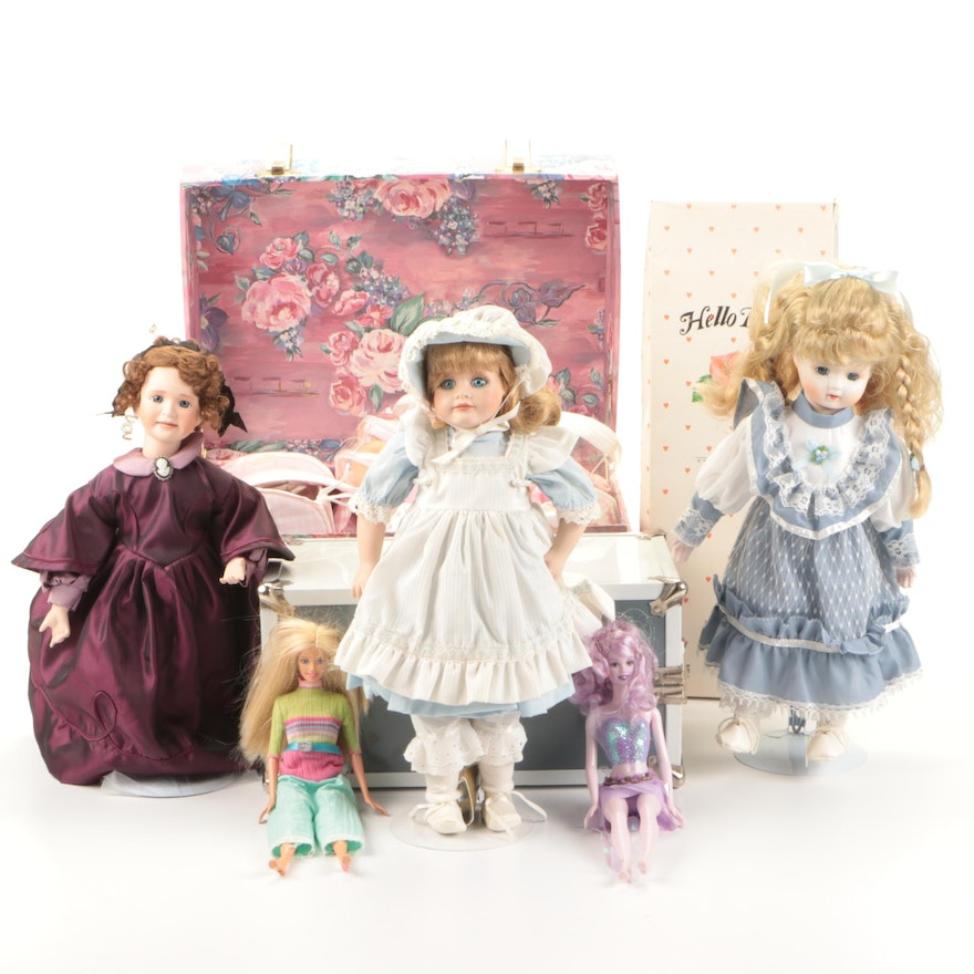 """""""Hello Dolly"""" and Other Dolls with Toy Boxes"""