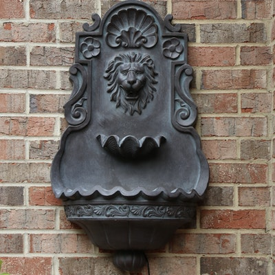 Lion Head Resin Outdoor Wall Mounted Water Fountain