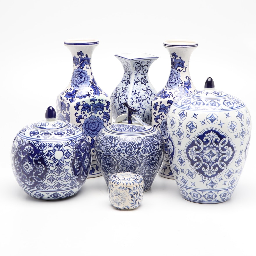 Chinese Blue and White Porcelain Vases and Ginger Jars