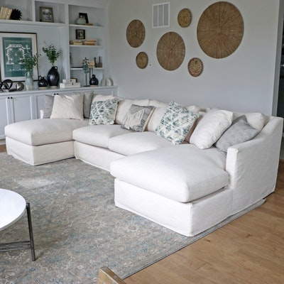 Rowe Furniture Three-Piece Sectional Sofa with Throw Pillows