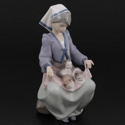 "Lladró ""Lap Full of Love"" Porcelain Figurine Designed by Juan Huerta"