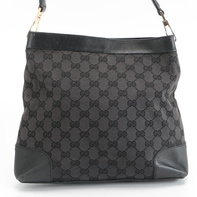 Gucci Shoulder Bag in Black GG Canvas and Smooth Leather