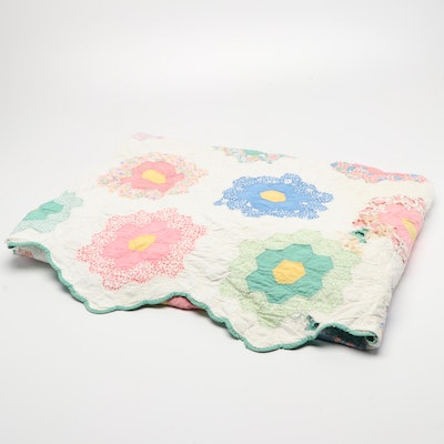 Handmade Honeycomb Pattern Cotton Patchwork Quilt, Mid to Late 20th Century