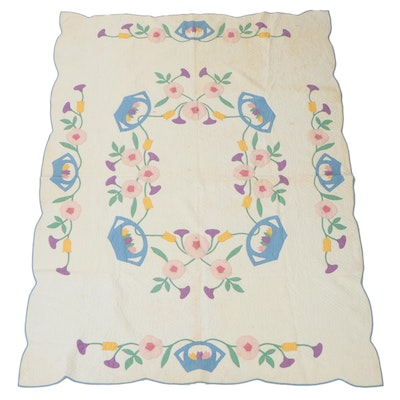 """Handmade """"Dutch Baskets"""" Appliqué Quilt, Early to Mid-20th Century"""