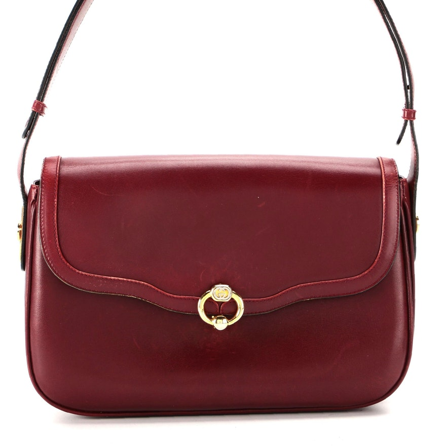 Gucci Shoulder Bag in Red Smooth Leather