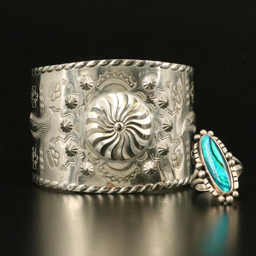 Gilo & Grace Nakai Navajo Diné Sterling Abalone Doublet Ring with Stampwork Cuff