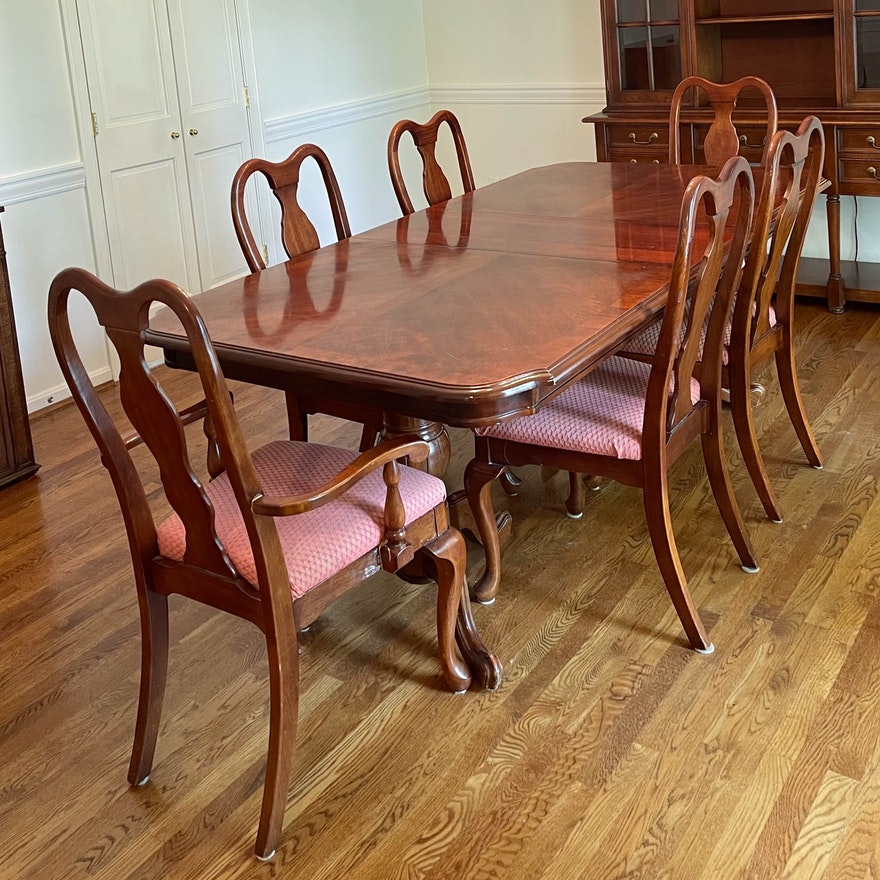 Mahogany Double-Pedestal Dining Table with Queen Anne Style Dining Chairs