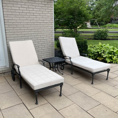 Patio Chaise Lounge Chairs and Cushions with Side Table