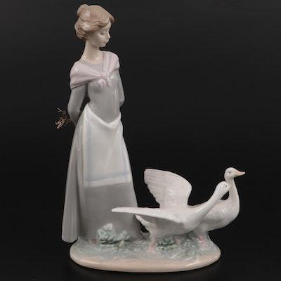 "Lladró ""Barnyard Scene"" Porcelain Figurine Designed by Antonio Ramos"