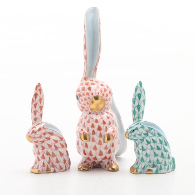 """Herend Rust and Green Fishnet """"Rabbit with One Ear Up"""" Figurines"""
