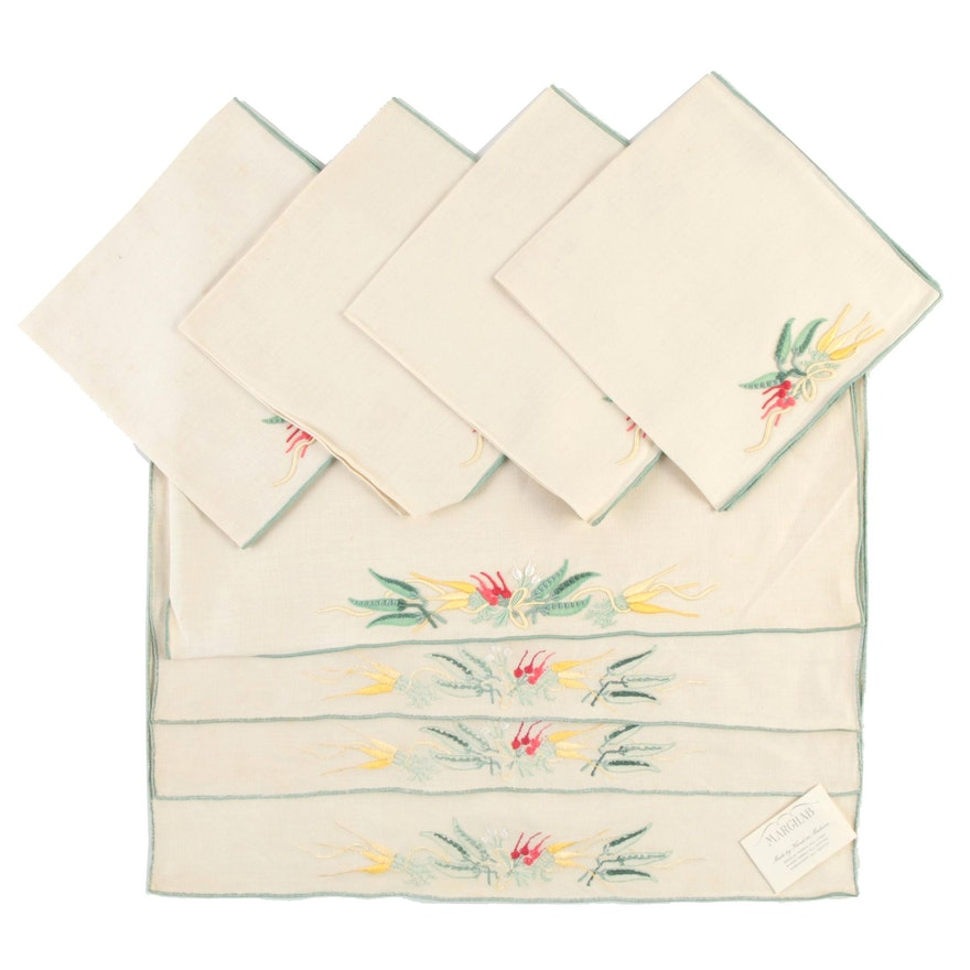 """Marghab """"Carrots and Peas"""" Placemats and Napkins Set"""