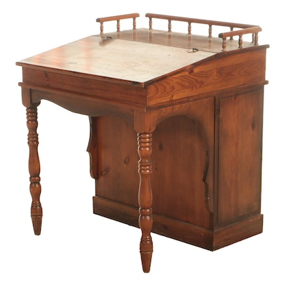 Early American Style Pine Davenport Desk, Mid to Late 20th Century