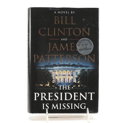 """Signed """"The President is Missing"""" by Bill Clinton and James Patterson Visual COA"""