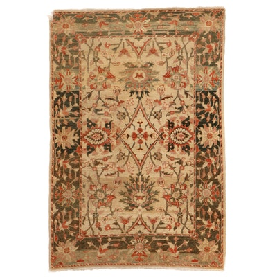 4' x 6' Hand-Knotted Floral Area Rug