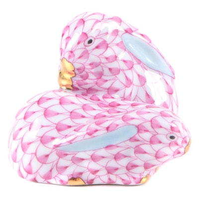 """Herend Raspberry Fishnet with Gold """"Pair of Rabbits"""" Porcelain Figurine"""