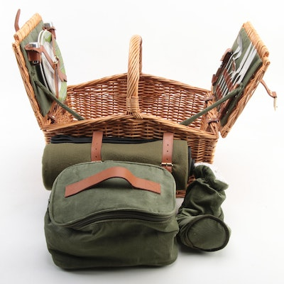 """Picnic Time """"Somerset Deluxe"""" Picnic Basket"""