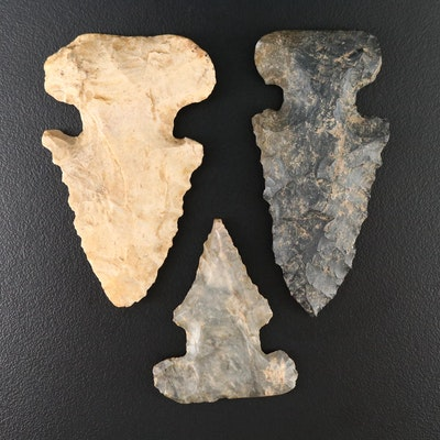 """Three Native American """"Key Notched"""" Serrated Projectile Points"""