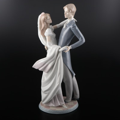 "Lladró ""I Love You Truly"" Porcelain Figurine Designed by Francisco Catala"