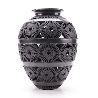 Matias Reyes San Bartolo Coyotepec Barro Negro Blackware Vase