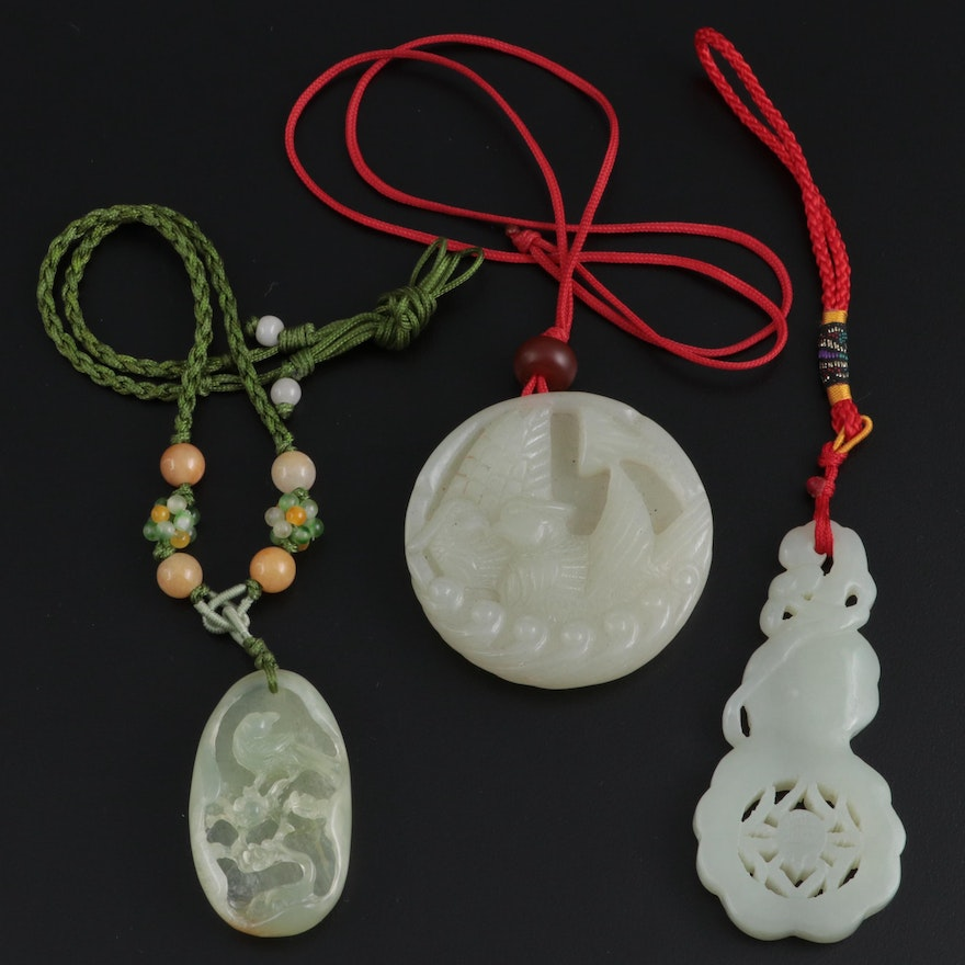 Chinese Serpentine Necklaces and Charm with Bird and Spider Motifs
